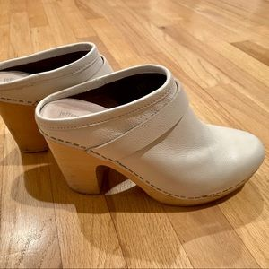Jeffrey Campbell white clogs